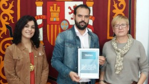 El alcalde con los representantes de Telefónica